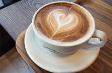「カフェオレ」と「カフェラテ」の違いって?