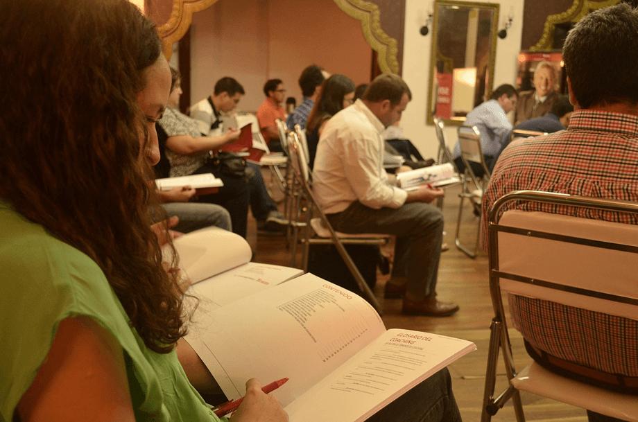学者を育成するための奨学金が十分でないことが日本の課題